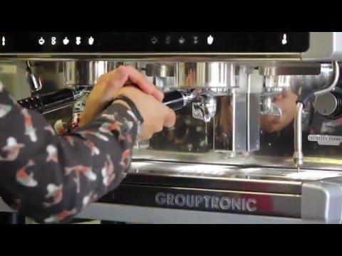 Tutorial Barista - Cómo limpiar la máquina de café, la ducha y el grupo. Limpieza y cuidado