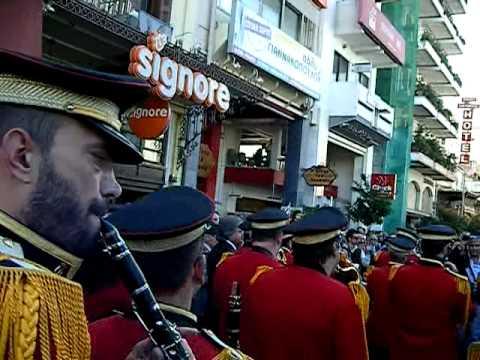 Πάτρα παρέλαση   Σώπα όπου να  ναι θα σημάνουν οι καμπάνες. 8d7852db3eb