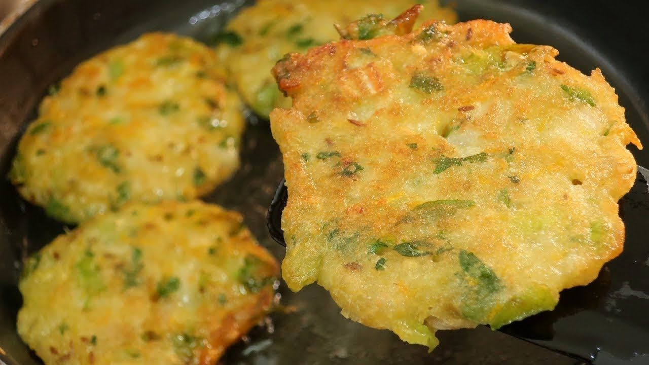 shravani s kitchen. <br> shravani s kitchen is about cooking easy and delicious Indian recipes in Telugu.