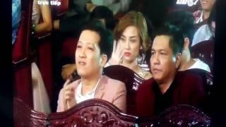 """Trường Giang -Miu Lê nhận giải thưởng """"Ngôi sao xanh"""" năm 2016."""