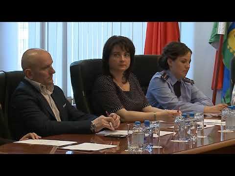 (12+) Заседание комиссии по делам несовершеннолетних