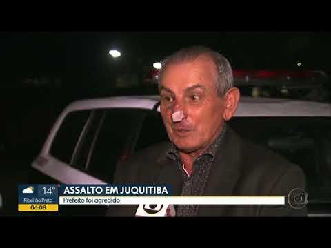 Ladrões invadiram, na tarde de quarta-feira (27), a casa do prefeito de Juquitiba, na Grande São Paulo, durante o jogo do Brasil pela Copa do Mundo. O prefeito Ayres Scorsatto (PR) foi agredido e amarrado.