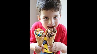 How to Make Campfire Cones! Great kid recipe for summertime! Recipe from Pip and Ebby