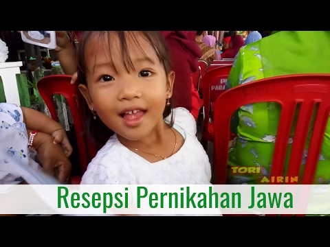 Video Beli Mainan SERUNYA Menghadiri Resepsi Pernikahan Jawa Undangan Bersama Keluarga Tori Airin
