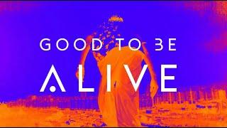 Kadr z teledysku Good To Be Alive tekst piosenki The Score