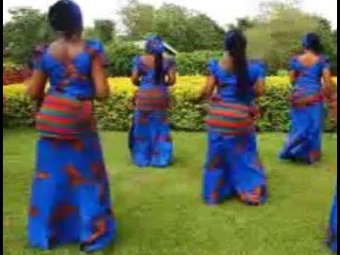 Booty Shaking Waist Nupe Culture Dance - Nigeria Music Culture Dance
