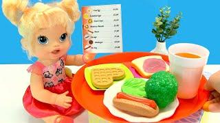 КАК МАМА Играла в Кафе Готовила Еду Куклы Пупсики Видео Для детей 108мама тв