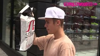 Джастин Бибер, Justin Bieber Shops At Shoe Palace On Melrose Ave. 7.19.15 - TheHollywoodFix.com (EXCLUSIVE)