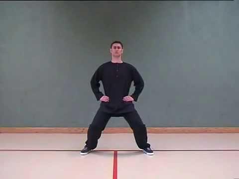 Die Öbungen des Yogas von der Skoliose