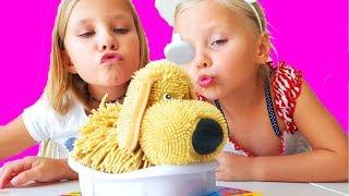 Папа КУПИЛ СОБАКУ Алиса и Николь моют Щенка новое видео wash dog challenge  детский канал