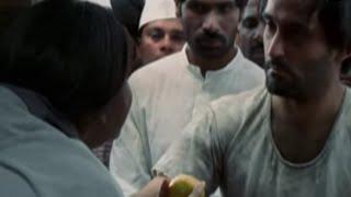 Akshay Khanna getting very emotional - Gandhi My Father