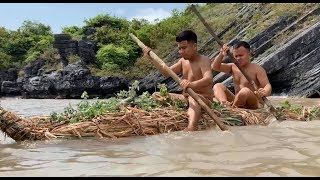 Primitive technology with survival skills: Solo 4 days on deserted island looking for food