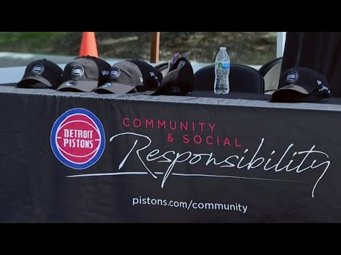 Detroit Pistons host vaccine clinic with legendary players, food, giveaways