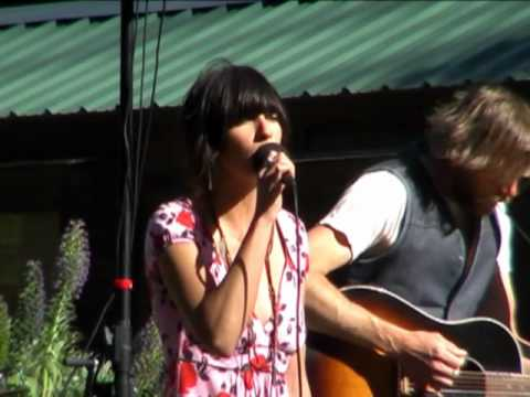 Nicki Bluhm and the Gramblers - Figure You Out