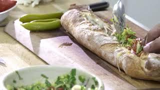 מתכון מפנק לאוהבי אבוקדו-סנדוויץ באגט בליווי בלט אבוקדו טונה וביצה רכה