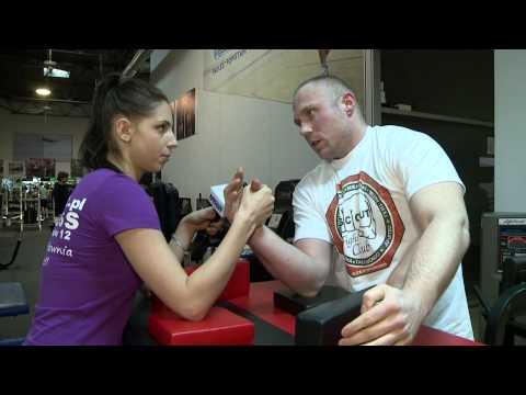 Żyć zdrowe ćwiczenia wzmacniające mięśnie ramion