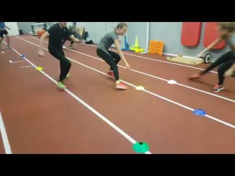 Allgemeine Kräftigung , Lauf- und Sprungkoordination mit Trainingshütchen