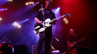 Them Crooked Vultures - Warsaw [HD] (Air Canada Centre - Toronto, ON - 5/15/10) (Part 1/2)