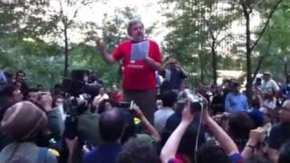 8.45. Ενάντια σε μια ντεκαφεινέ διαδήλωση (από Khan, 14/01/12)