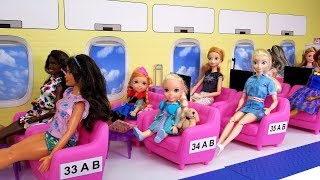 Airplane ! Elsa and Anna toddlers in Barbie's plane - vacation trip