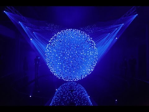 fluidic sculpture in motion by whitevoid studio