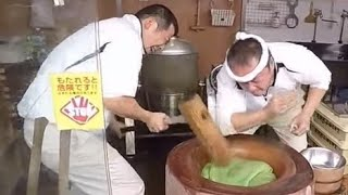 Pounding Mochi with the Fastest Mochi Maker @Nara Japan