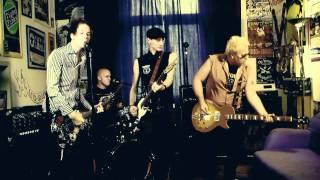 Video THE FIALKY - TRIČKO (videoklip 2010)