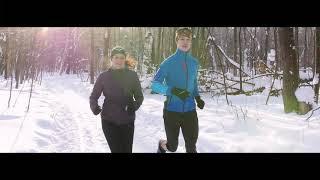 Бег | Бег зимой | Спортивная ходьба | Бег зимой | Зимний спорт | Девушки бегут зимой