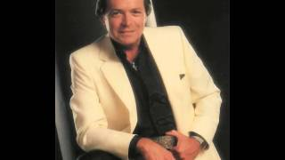 Mickey Gilley Here Comes The Hurt Again