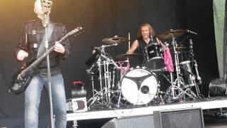 Apulanta - Hiekka live @Pioneerifestivaali 10.7.2015