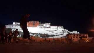 Around The Ball en el Tibet