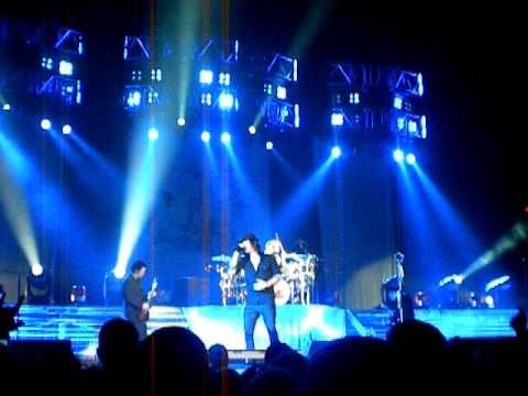 Three Days Grace - No More (Live First Time Ever 2010) Pensacola civic center