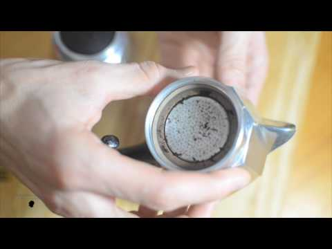 The strongest myth of the Moka coffee maker - The cleaning
