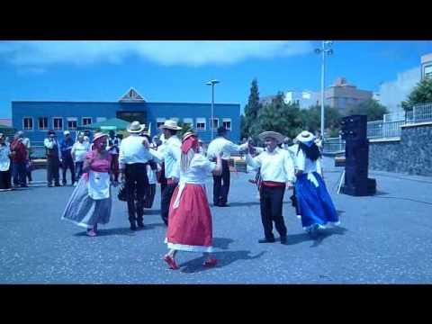 Baile tradicional día de Canarias en la isla de Tenerife