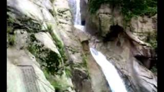 preview picture of video 'The Waterfall in BeiJiuShui(Qingdao)'
