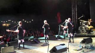 DEVO: Smart Patrol/Mr. DNA Guitar Solos - Squamish, Canada 2010