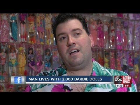 Florida man lives with 2,000 Barbie dolls