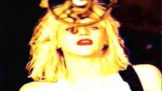 Courtney Love- Walk Out On Me (Sub)
