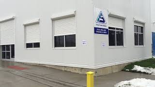 Automatic rolling shutters for a warehouse
