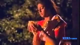 Othayadi Pathayila Oorusanam Thunkayile