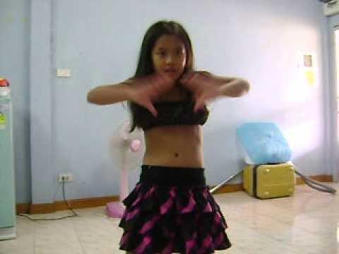 เด็กน่ารักอายุ 8 ขวบเต้น เพลงแน่นอก - YouTube