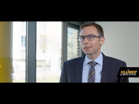 Hydro Lubricants - Interview with our specialist Dr. Marius Kuhn
