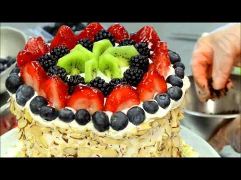 Как сделать торт из арбуза со  сливками и фруктами\How to Make Watermelon Cake