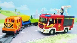 Мультики про машинки и поезда с игрушками Плеймобил - Опасные игры!