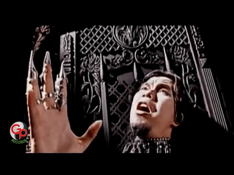 Koil feat.The Rock - Kenyataan Dalam Dunia Fantasy [Official Music Video]