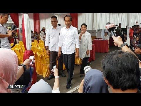 العرب اليوم - شاهد: انطلاق التصويت في الانتخابات الرئاسية والتشريعية في إندونيسيا