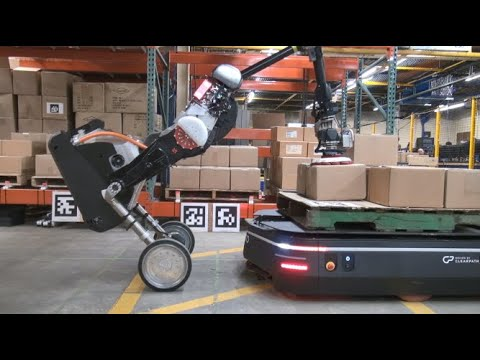 Boston Dynamics' Handle Teams Up With Mobile Robots on Warehouse Logistics
