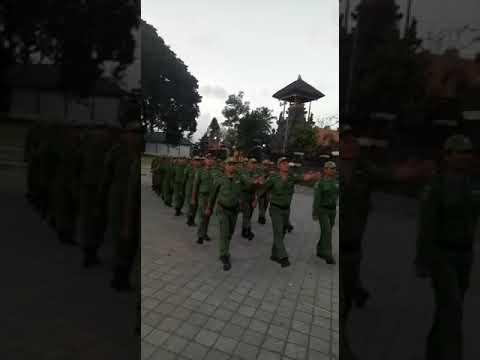 Latihan-Linmas-Desa-Sedang.html