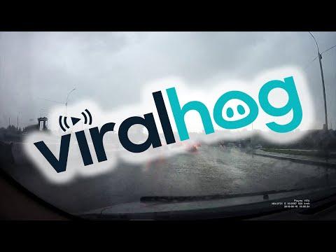 Blitz trifft Auto