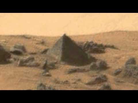 Марсоход Curiosity обнаружил на Марсе пирамиду идеальной формы